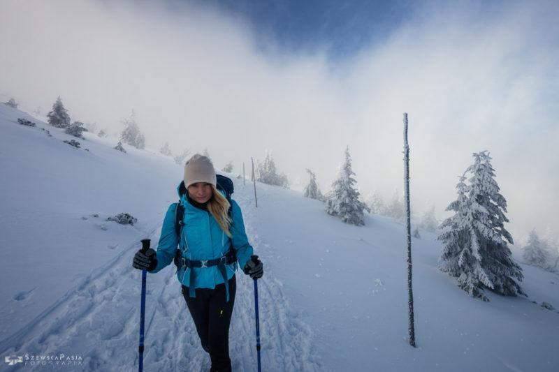 Zima na szlaku w Karkonoszach